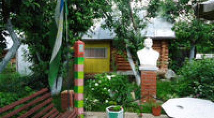 Музей СССР в саду уфимца